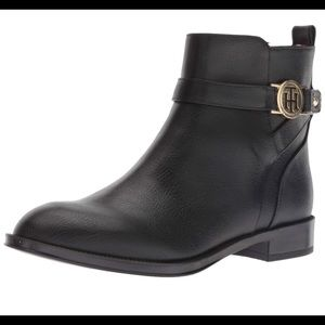 Tommy Hilfiger black ankle boots NWT